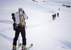 Esqui-de-montana-descenso-fuera-pista-vivaks